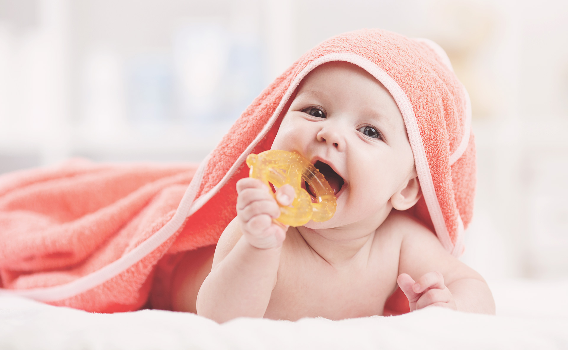 How to Soothe a Teething Child Image